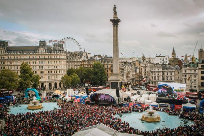Trafalgar-Square-London-NFL-Fan-Rally
