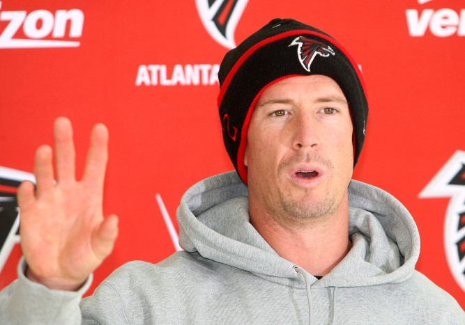 Atlanta Falcons training session and press conferences at The Grove Hotel,Hertfordshire,England and London Colney. Matt Ryan of Atlanta. Julio Jones of Atlanta chilling out. Matt Ryan of Atlanta chilling out.