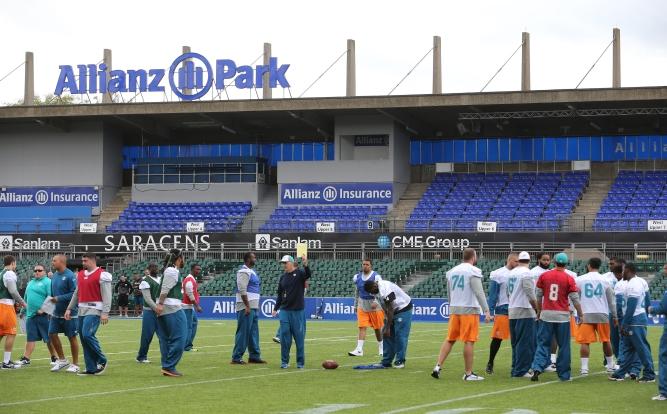 NFL International Series Miami Dolphins @ Oakland Raiders Wembley Stadium London UK
