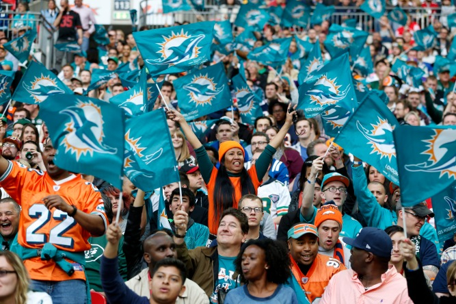 Fans inside Wembley Miami Dolphins v New York Jets - NFL International Series at Wembley Stadium in London on Sunday, Oct 4. P/hoto: Jed Leicester /NFL